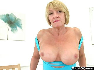 Free HD MILF Tube Solo