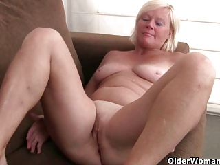Free HD MILF Tube Nylon