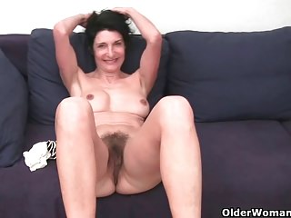 Free HD MILF Tube Stripping