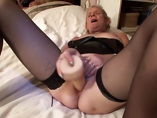 Free HD MILF Tube Dutch